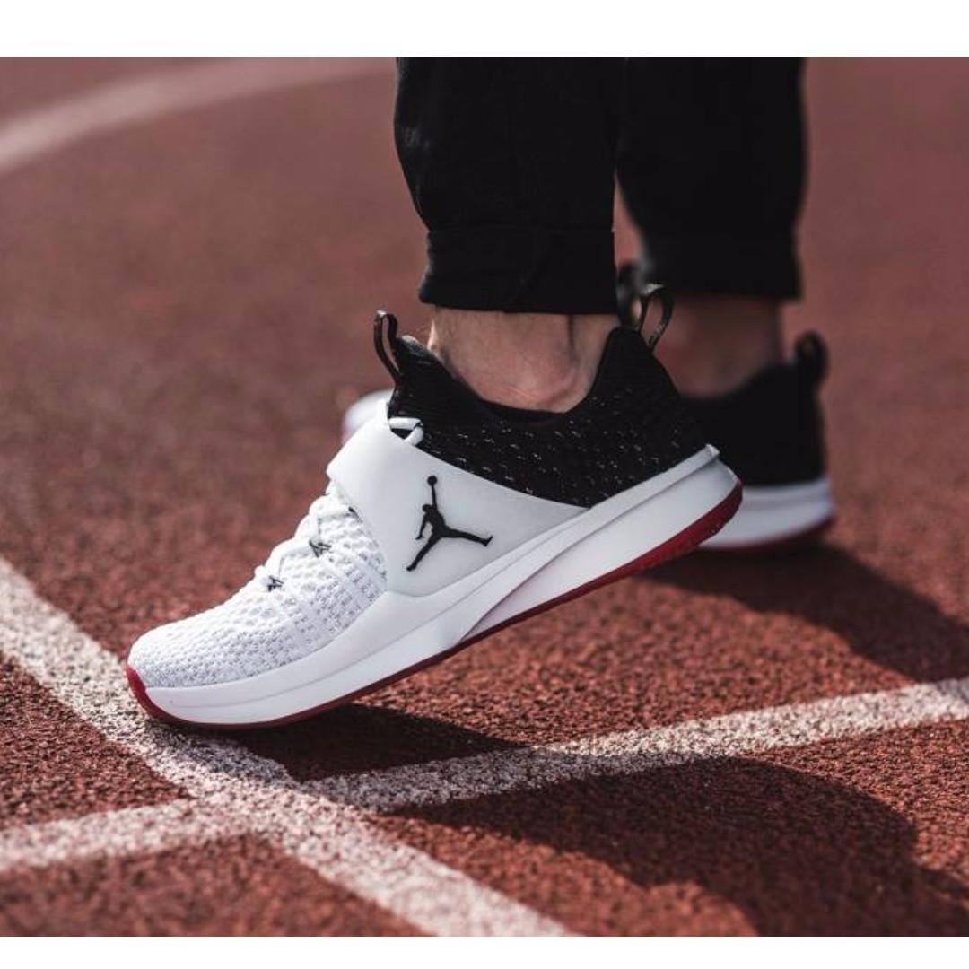 f85b06711f Jordan Trainer 2 Flyknit Chicago Bulls Men s Shoes SRP  7