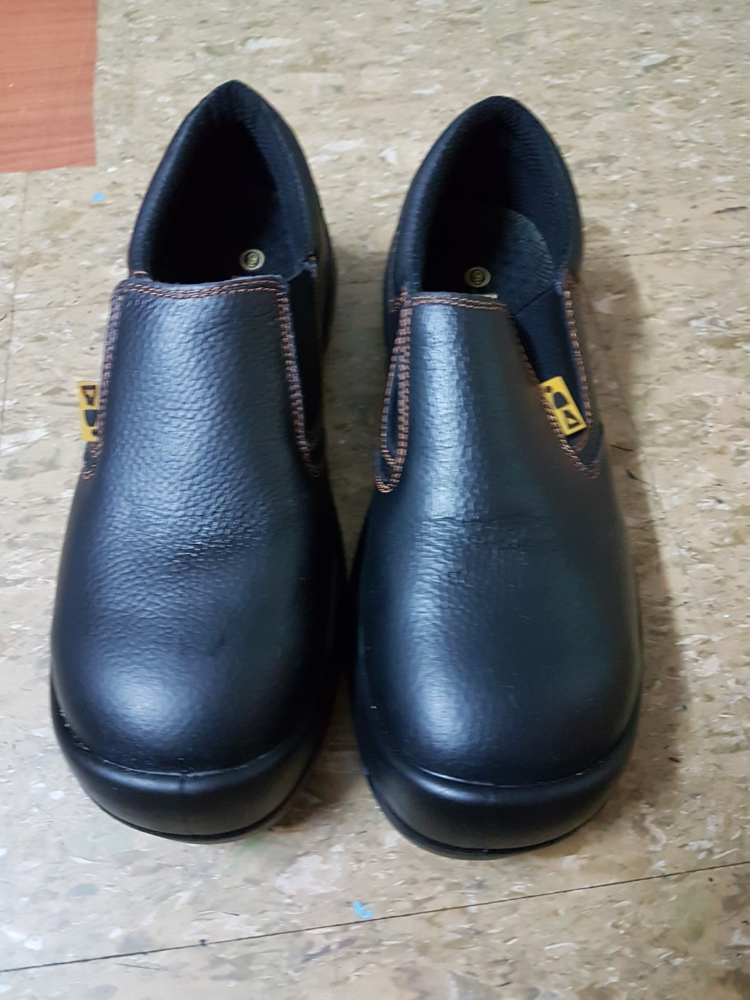 Kitchen safety shoe (Chef Shoe) on Carousell