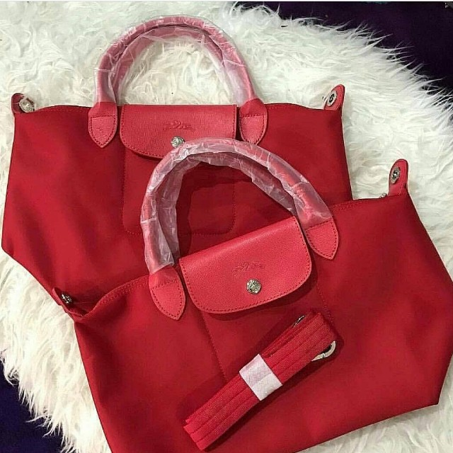 083c1117e2 Longchamp Le Pliage Neo (Ruby Red), Luxury, Bags & Wallets on Carousell
