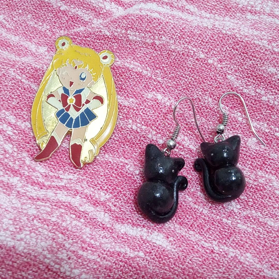 SET: Sailormoon Brooch and Luna inspired earrings