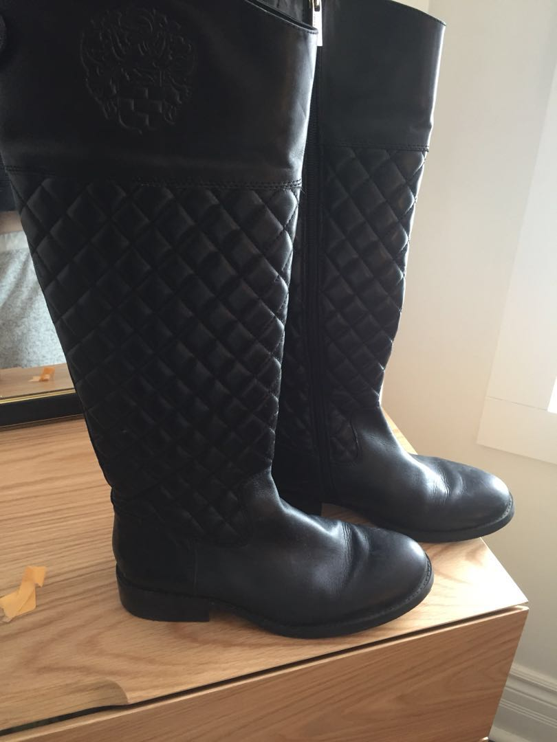 Vince Camuto size 8 quilted boots