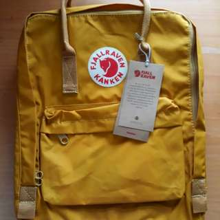 AUTHENTIC & ONHAND Fjallraven kanken Classic in Ochre