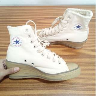 Converse Cream Heeled High Top Sneakers Womens Size 6