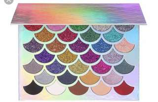Mermaid glitter eyeshadow