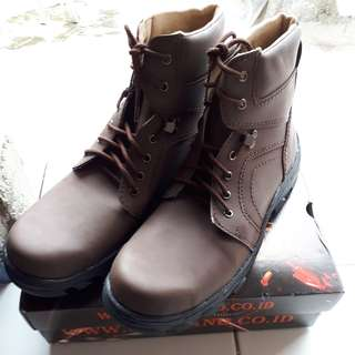 Sepatu Cut Engineer Safety Boots Iron Fosil