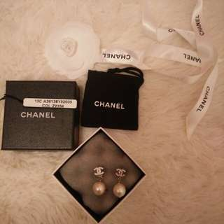 Chanel earrings 100% authentic