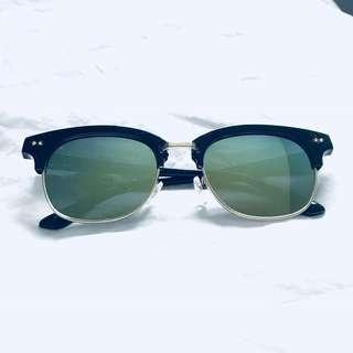 Boohoo - wayfarer green lens