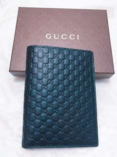 🚚 Gucci深藍色經典壓紋護照夾