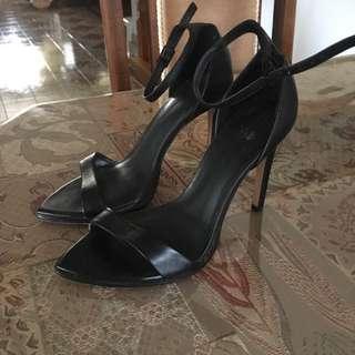 Zara heels SIZE 6