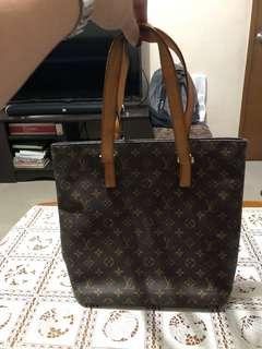 Louis Vitton Luco Tote Bag