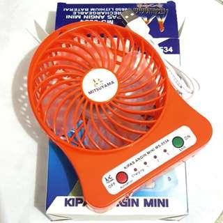 (NEW) Kipas Angin Mini Portable + Charger (Korean Mini Fan)