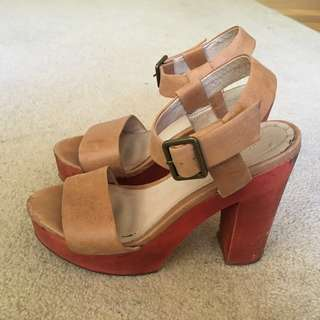 Gorman Tan Leather Heels