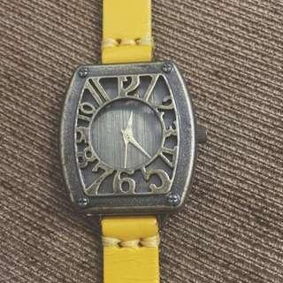 古董鵝黃手錶