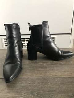 ZARA: Black Booties