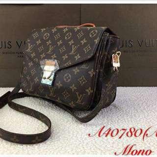 LOUIS.V Pochette Metis Women Bag