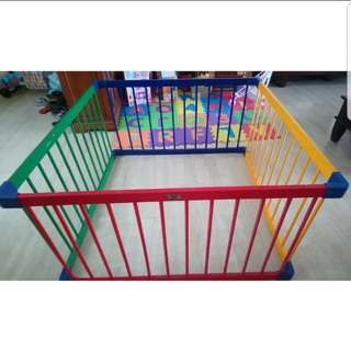 Play Yard wooden (114 × 114 × 63cm)