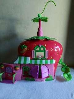 Stawberry Shortcake Dollhouse
