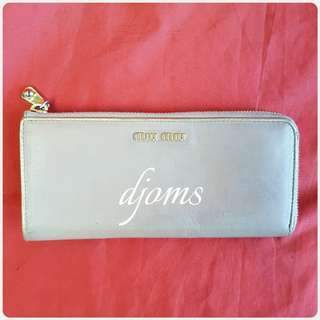 ✔MIU MIU BEIGE & GOLD ZIP LONG WALLET