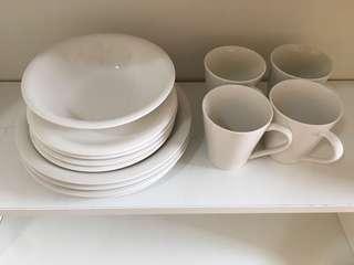 Set pinggan mangkuk cawan