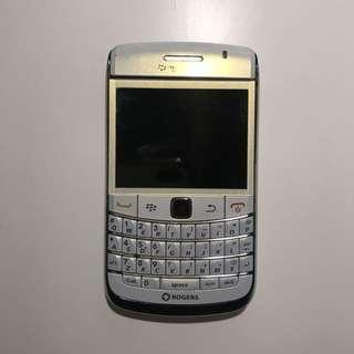 Blackberry Bold 9700 (White)