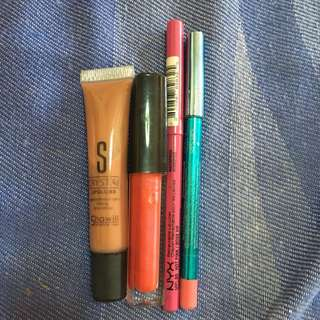 Lipgloss and lipliners