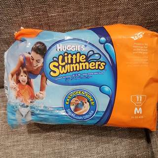 Huggies swimmer diaper m size