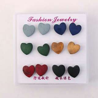 Anting multi-color heart