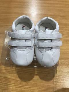 Pitter pat baby shoes size 22