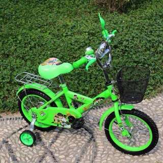 Green Ben 10 Bike with Balancer