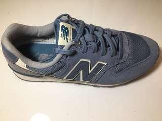 New Balance 996 Blue Running Shoes
