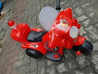 Police rechargeable ride-on motor