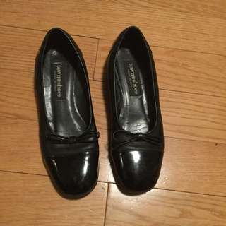 Black Leather Flats with Bow Detail