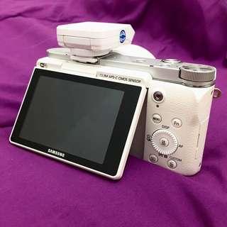 Kamera Mirrorless Samsung NX 3000 (Re-Price)