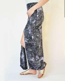 Double front slit skirt