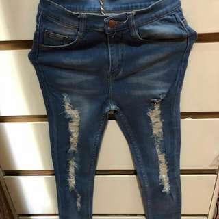 Celana panjang sobek2 jeans