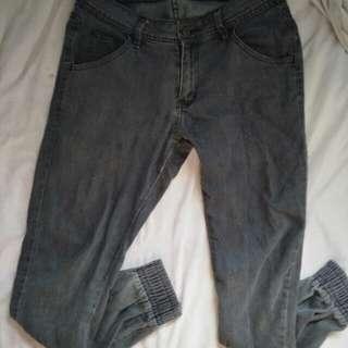 MEN'S JOGGER PANTS (PRICE NEGOTIABLE)