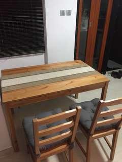 木餐枱連兩櫈+一長櫈