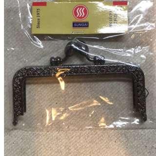 Coin Purse/ Pouch Handle Frame Size: 10cm x 4cm