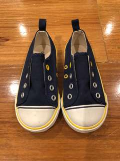 Old Navy Laceless / Slip-on sneakers