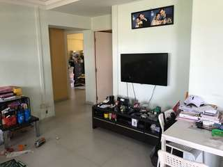 Cozy 3 bedroom Hdb located in central area for rent!!
