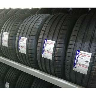 Michelin Pilot Sport 4st 215/45ZR17