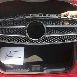 Original Mercedes Benz Front Grille