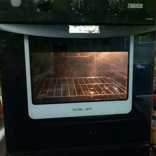 Electric oven zanussi