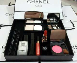 Chanel Gift Set 9 in 1
