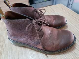 Dr Martens  Ember Grizzly Boot in Dark9 Brown US11