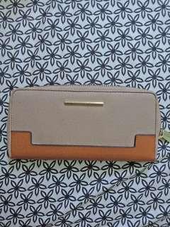 Charles & keith wallet orig.