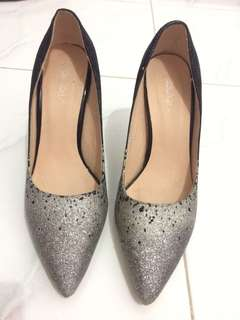 Manolo Heels