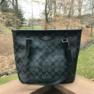 Coach Zip Tote in Siggy Black Smoke