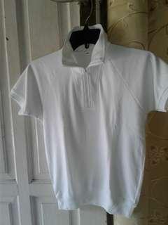 Kaos putih melar kerah