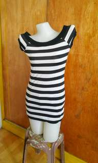 Pre loved stripped white and black top